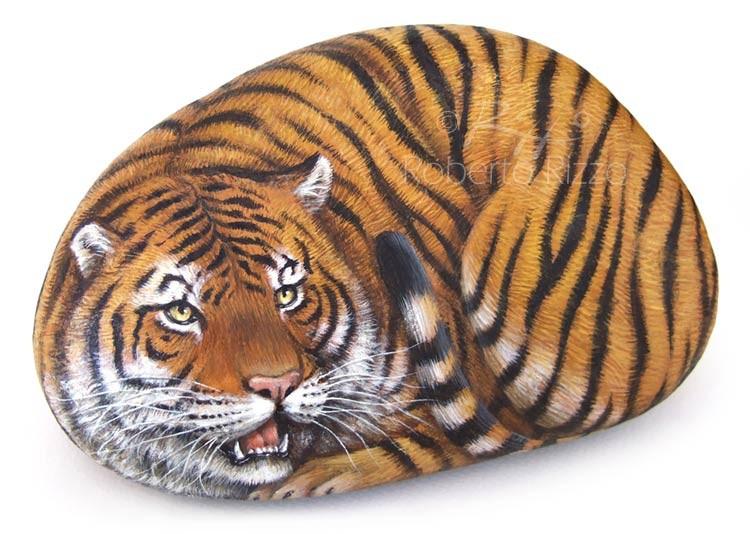 Tigre dipinta su pietra