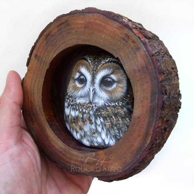 Tana con allocco - legno, creta, acrilico - cm. 13