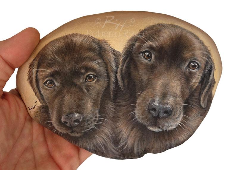 Poppy e Coco - acrilico su pietra - cm. 15